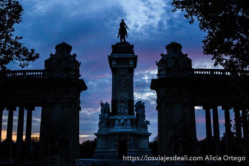 guía del retiro monumento Alfonso XII