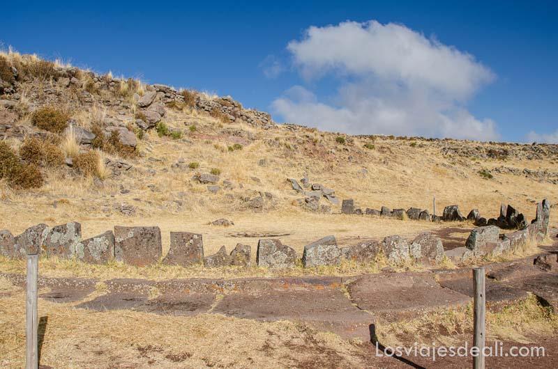 observatorio solar hecho con piedras en círculo