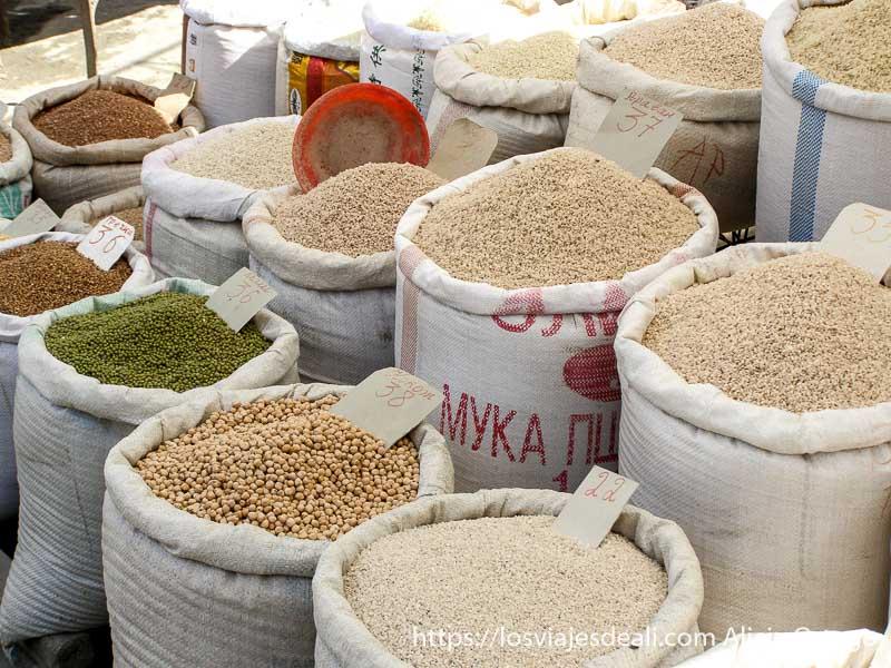 venta de legumbres y arroz en sacos