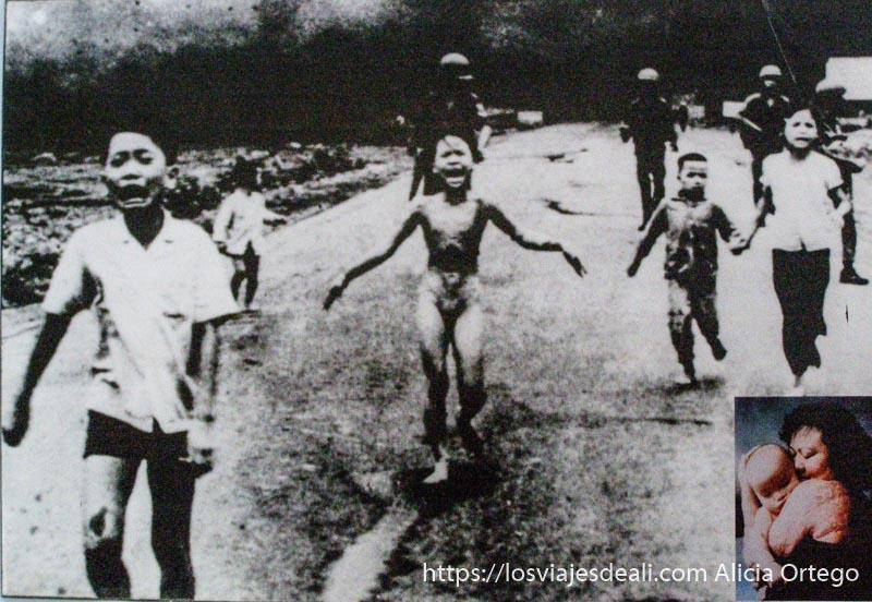 la foto más famosa de la guerra de vietnam una niña corriendo desnuda por la carretera tras bombardeo con armas químicas