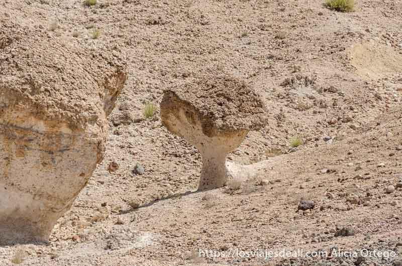 roca erosionada con forma de champiñón