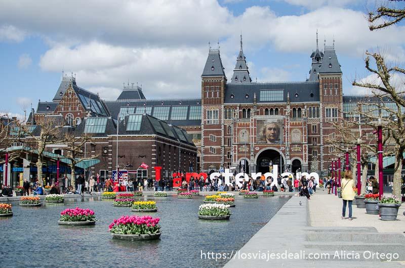fachada del riksmuseum de amsterdam