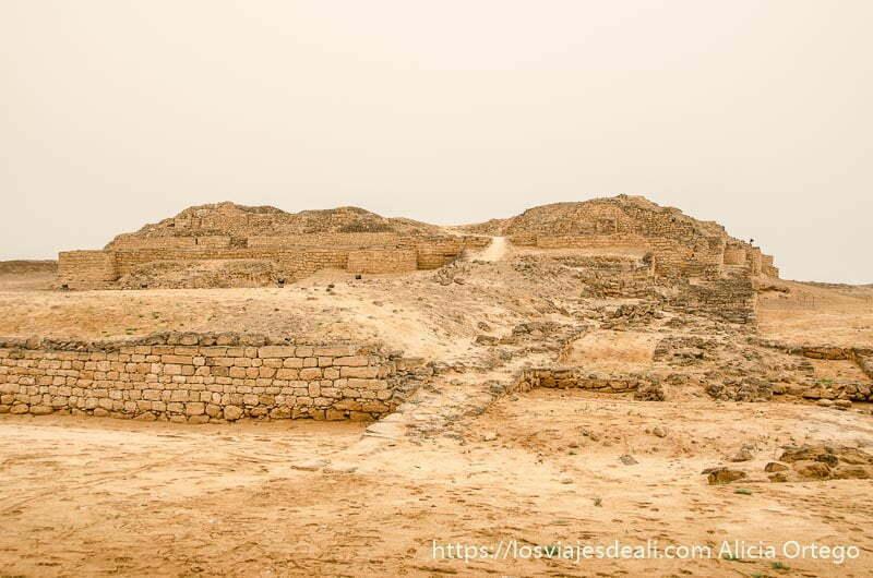 ruinas del antiguo palacio de dhofar