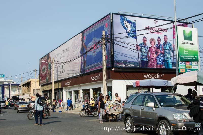 calle del mercado de la capital de togo