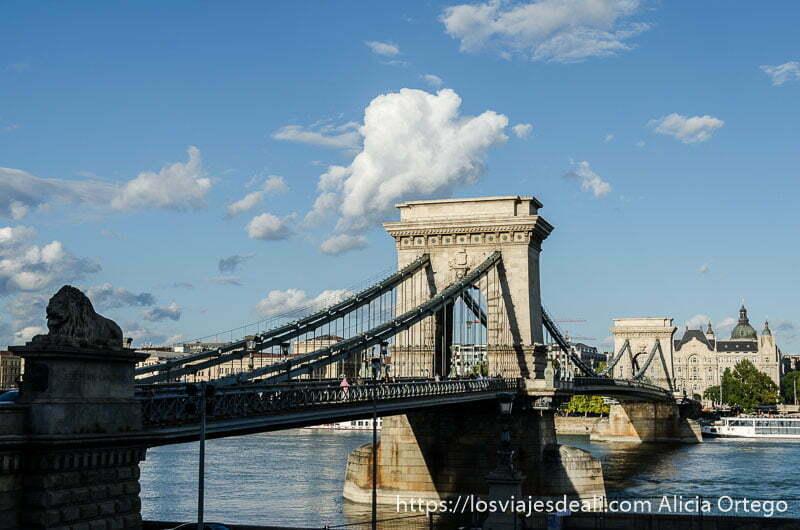 puente de las cadenas guía del budapest monumental