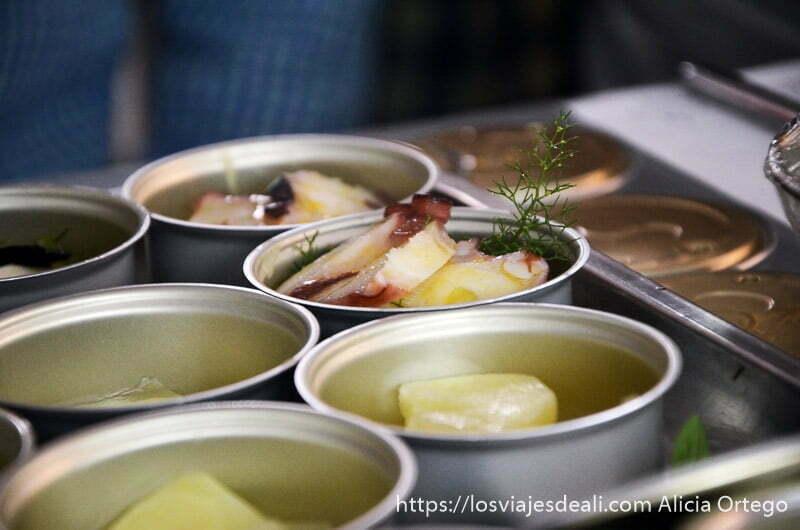 tapas de pulpo a la gallega en el restaurante Adolfo colección de toledo capital española de la gastronomía