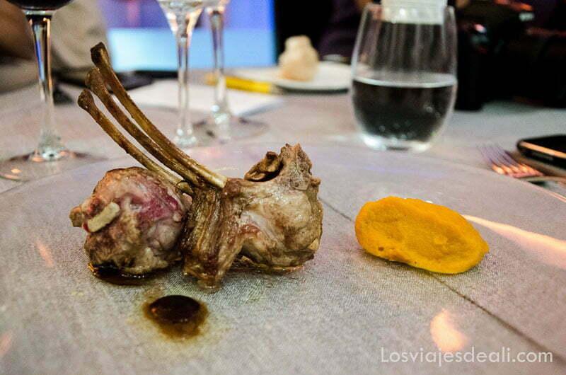 chuletas de cordero en el restaurante 24 alfileritos de toledo