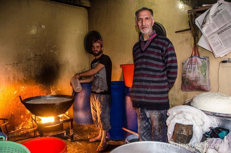 tenderos del bazar de Leh