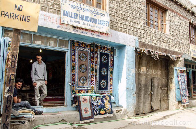 tienda de alfombras de Leh