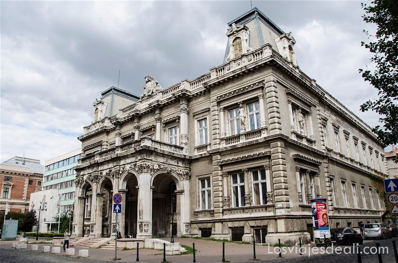 calles de Budapest edificio de la Ópera