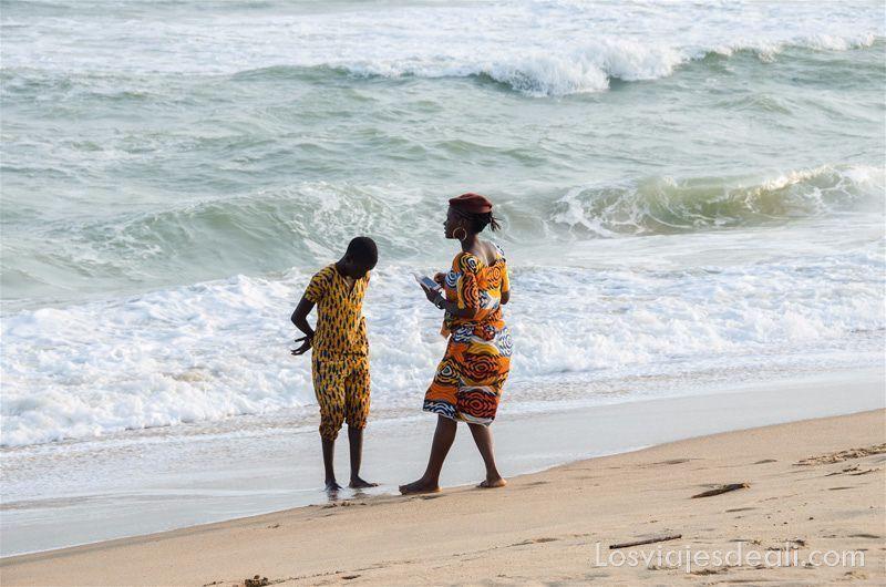 consejos para viajar a togo y benin playa de Cotonu