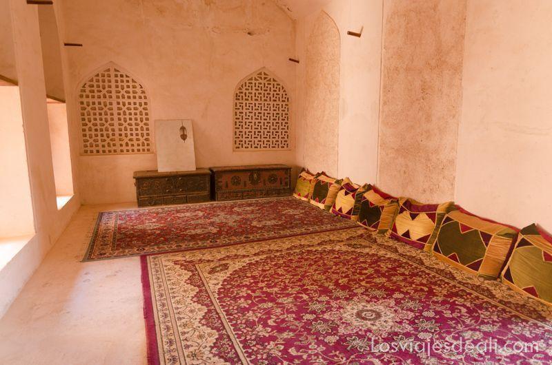 itinerarios para viajar en Omán Jabrin castle