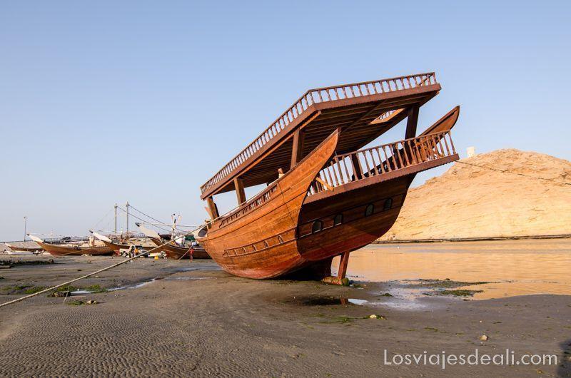 itinerarios para viajar en Omán dhow en Sur