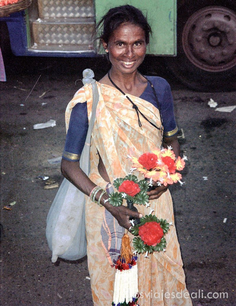 vendedora de flores en India Gentes de Asia