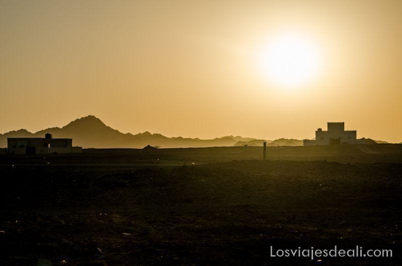 atardecer en la isla de Masirah en Omán