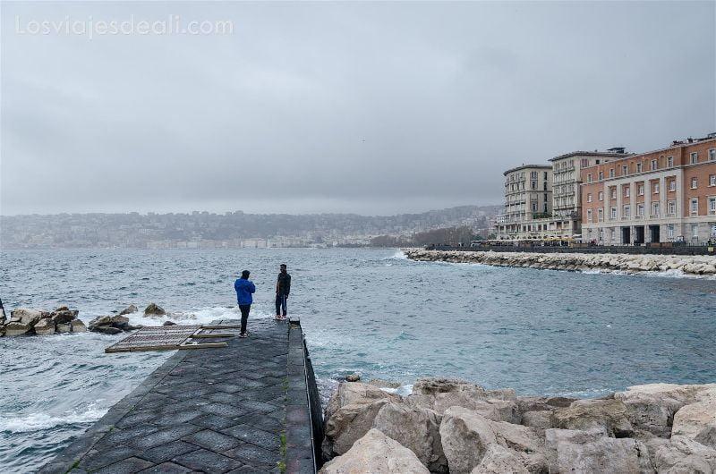 vista desde castillo dell uovo en Paseos por Nápoles