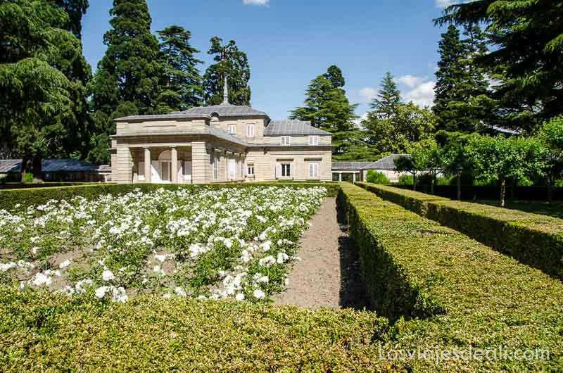 casita del príncipe con jardín en el escorial