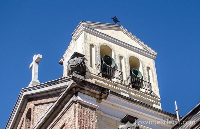 campanas en Photowalk Malasaña