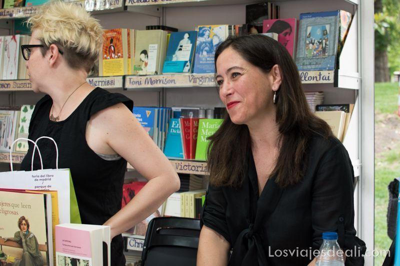 Alicia Sornosa en la feria del libro