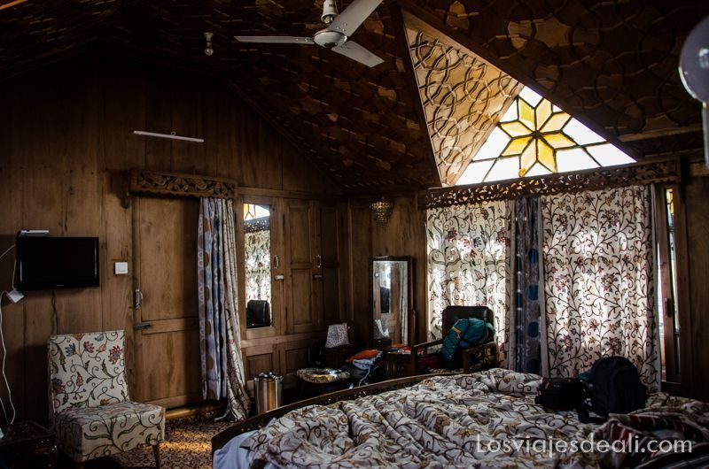 Srinagar interior houseboat