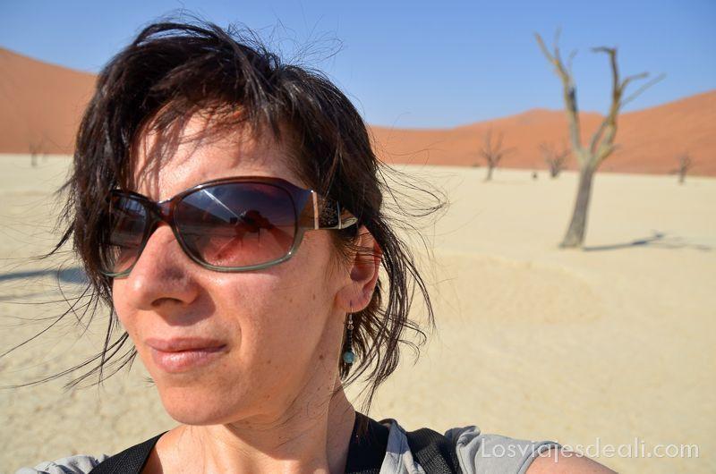 la inconsciencia en los viajes selfie en deadvlei