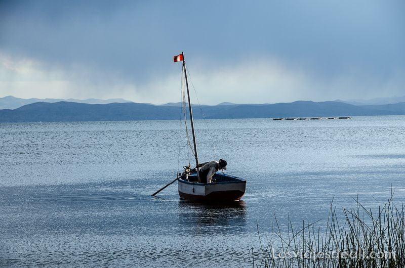 peninsula de capachica pescador
