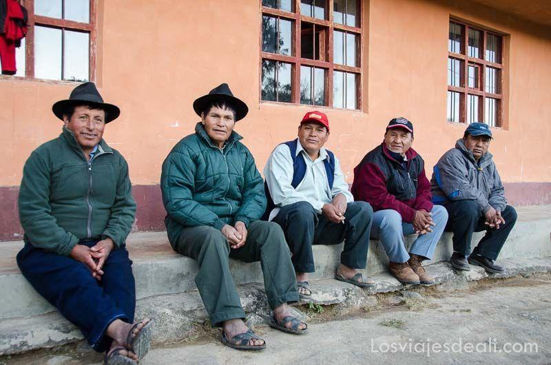 hombres de comunidad humacchuco