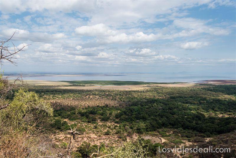 NGORONGORO-Manyara Lake