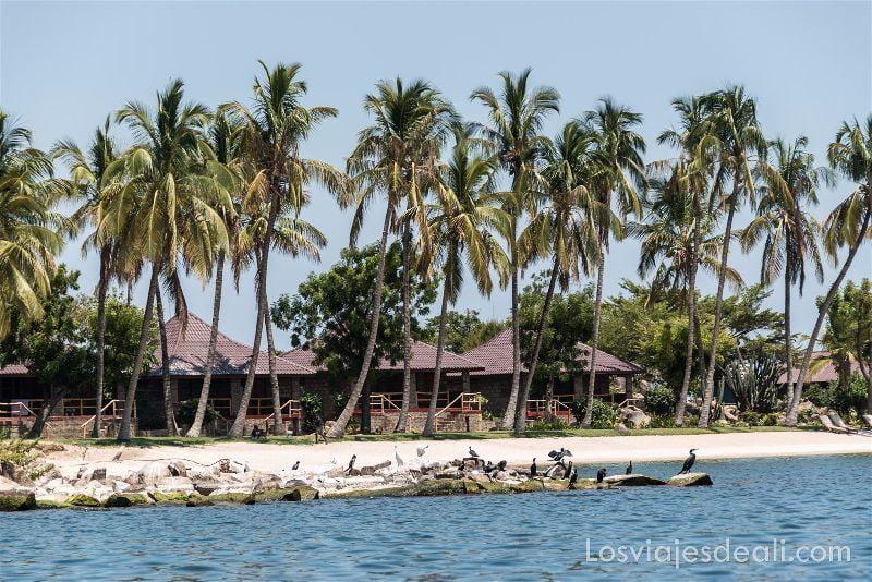 LAGO VICTORIA Takawiri island resort