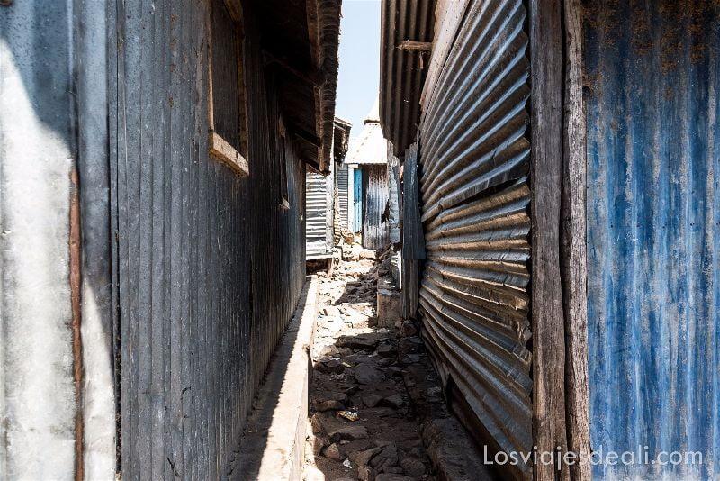 LAGO VICTORIA calles de takawiri