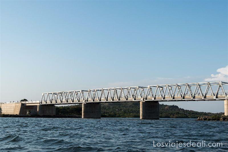 LAGO VICTORIA puente rusinga