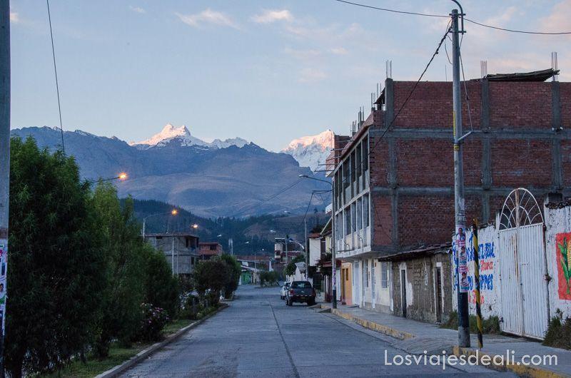 calles de Huaraz en cordillera blanca