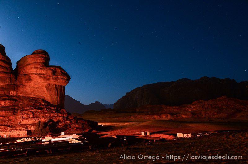 campamento en desierto de wadi rum