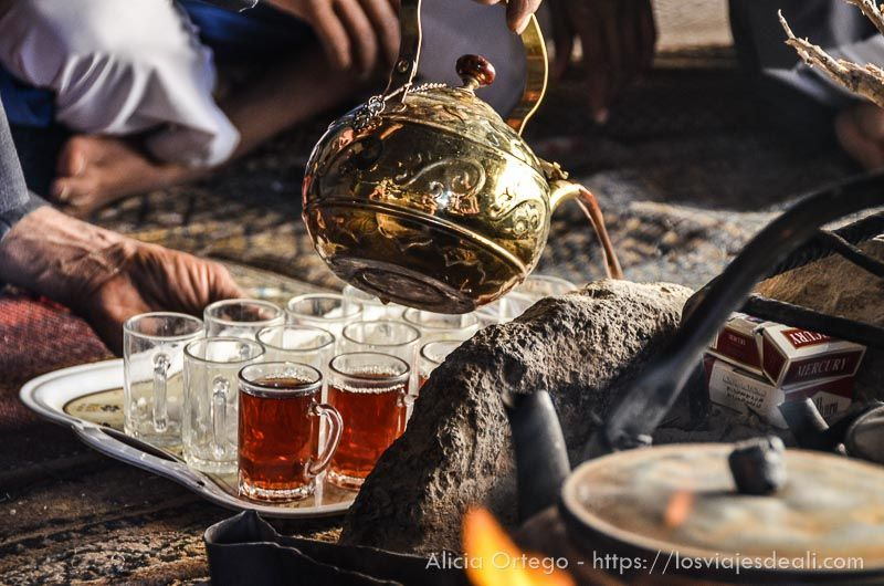 té en desierto de wadi rum