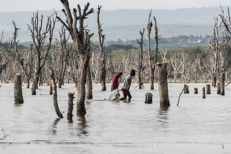 pescadores del lago naivasha