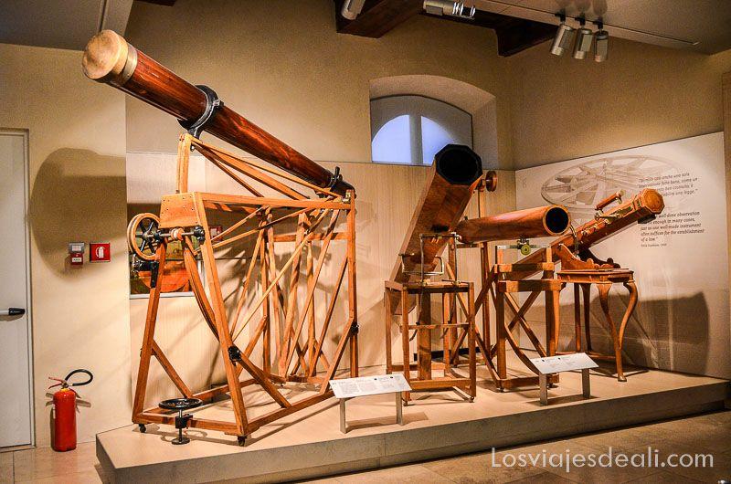 Telescopios en el museo de Galileo