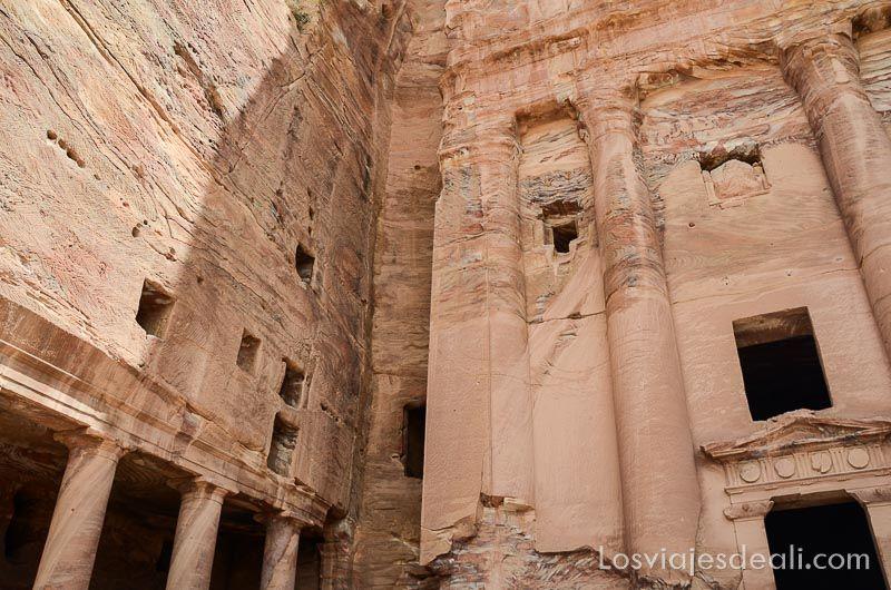 Petra gran templo
