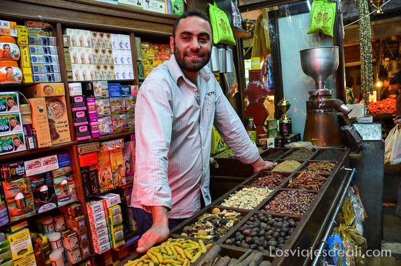 amman tienda junto a mezquita