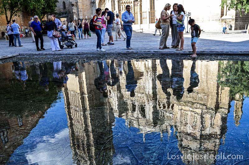 tres culturas de toledo reflejo catedral