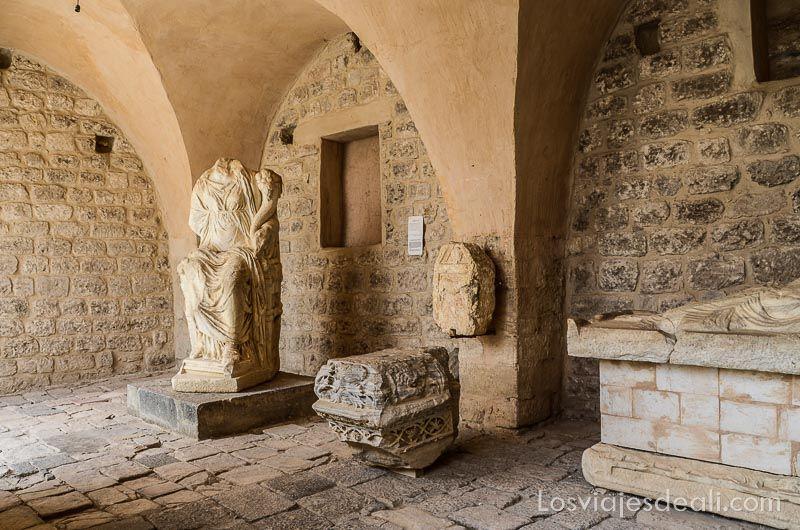 um qays y ajlum museo Jordania en 6 días