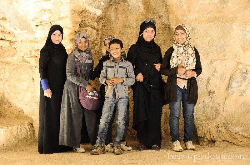 um qays y ajlum turismo local jovenes