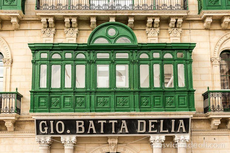 viaje a Malta balcón