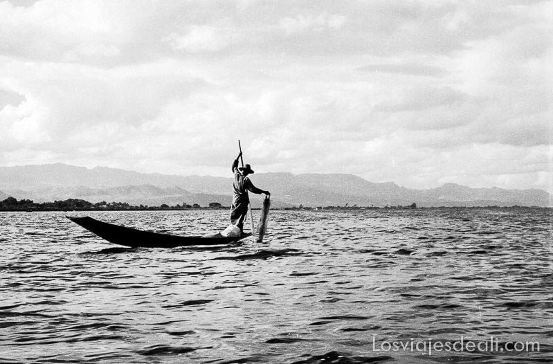 birmania lago inle pescador