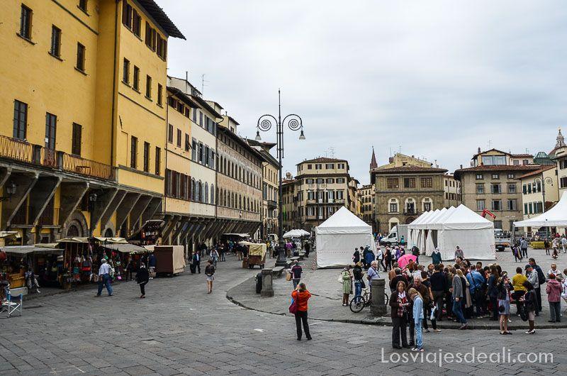 paseo por florencia iglesia santa croce piazza