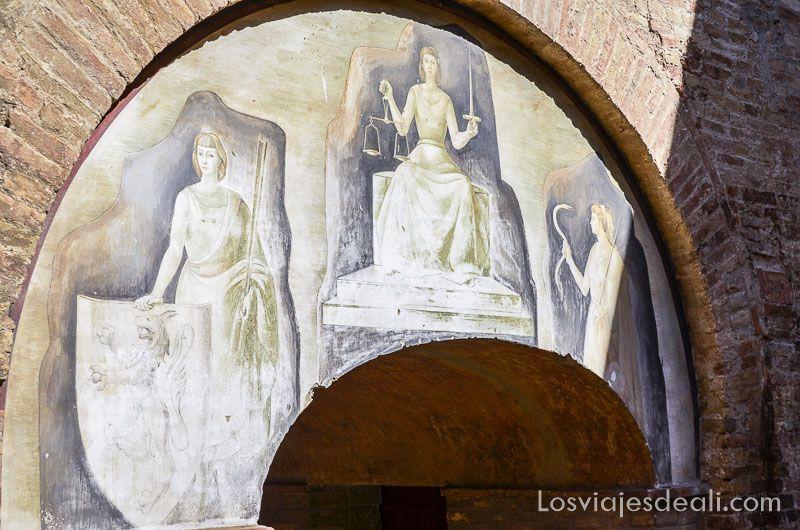 san gimignano frescos palacio