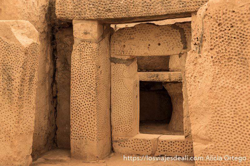 arqueologia en malta puerta de templo mnajdra