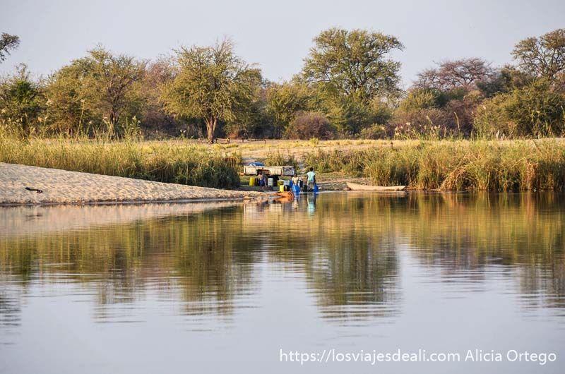 río kavango frontera con angola