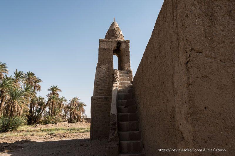 antigua mezquita cerca de la tercera catarata del Nilo
