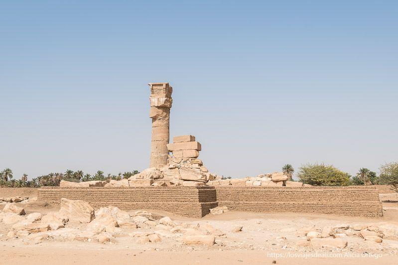 templo de Sedeinga en Sudán con una única columna en pie