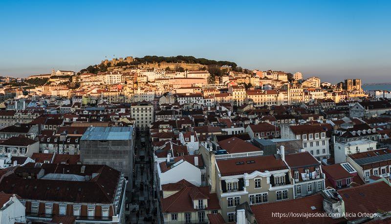 panorámica de Lisboa al atardecer